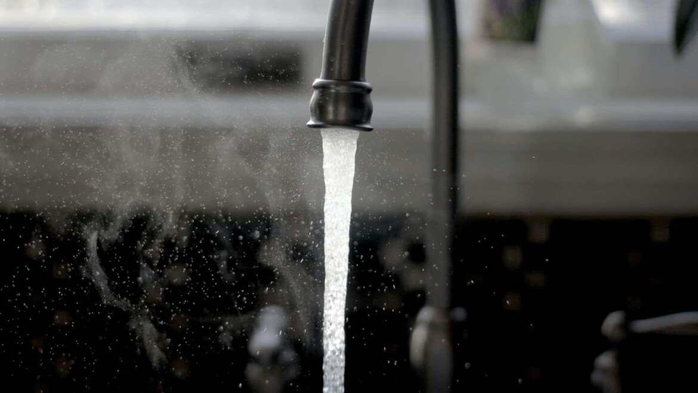 Eliminare calcar din apa – problemele cauzate de apa calcaroasa si cum pot fi inlaturate